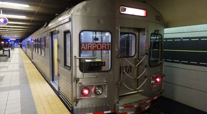 クリーブランド 空港からダウンタウンへのアクセス 地下鉄の場合