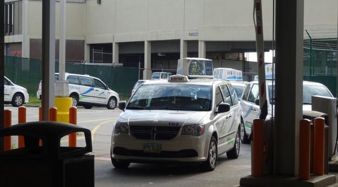 クリーブランド 空港からダウンタウンへのアクセス タクシーの場合