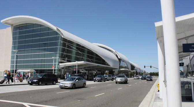 リーバイス・スタジアムの最寄の空港 ノーマン・Y・ミネタ・サンノゼ国際空港